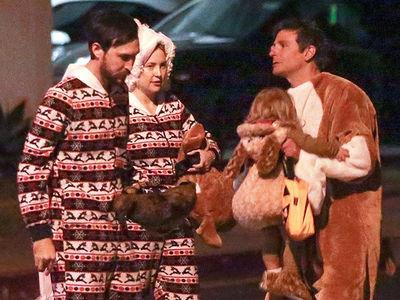 Kate Hudson & Bradley Cooper Team Up for Halloween Parent Duties