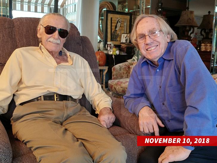 Foto terakhir Stan Lee bersama anak didiknya, Roy Thomas pada 10 November 2018, dua hari sebelum kematiannya. (TMZ)