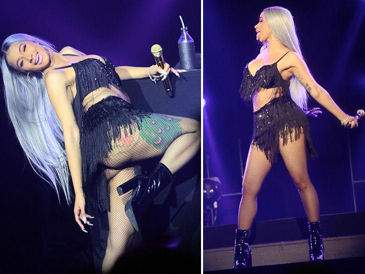 Cardi B Real Body: Cardi B Performing, Twerking At Big Pandora Event In New