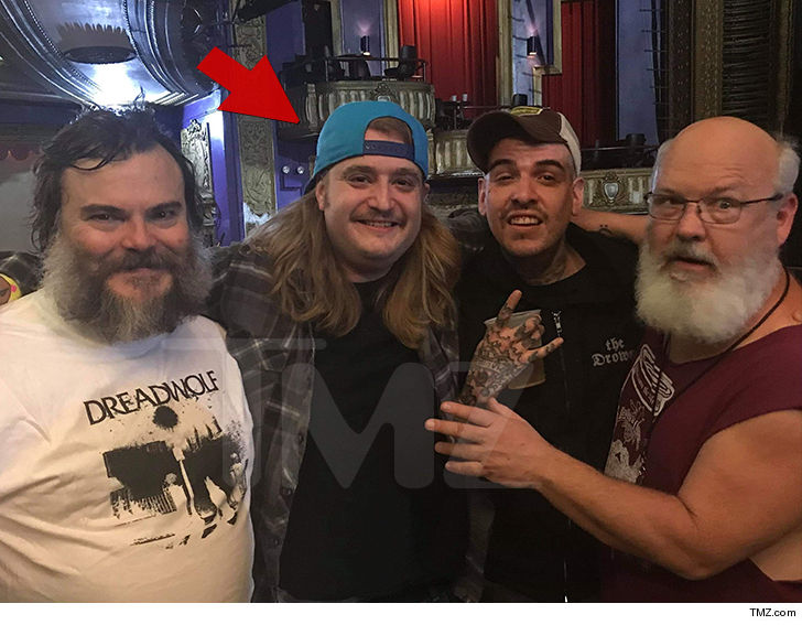 """Dewey Finn reunites with Fred from """"School of Rock"""" at a Tenacious D set."""