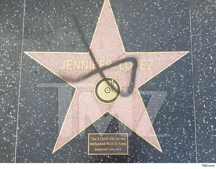Estrela de Jennifer Lopez na Calçada da Fama de Hollywood é vandalizada; polícia investiga