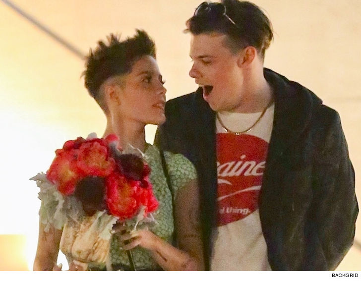 e0efaedcdd Halsey Hanging With British Musician Yungblud After Split With G ...