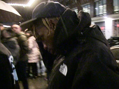 Travis Scott in Full Sicko Mode During Concert, but Dodges Kylie 'Wife' Question