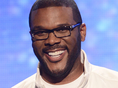Tyler Perry Drops Over $430k to Pay Off Walmart Layaway Items in Atlanta