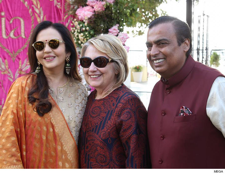 f59500399dd Beyonce Performs at Billionaire Family s Indian Wedding as Hillary ...