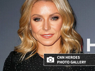 See Kelly Ripa & Mark Consuelos' Gorgeous Teenage Daughter Join Mom on the Red Carpet!