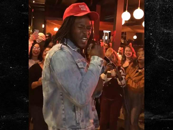 Alvin Kamara Serenades Bar With R. Kelly Song ... After Saints Win