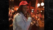 Alvin Kamara Serenades Bar Full Of Girls With R. Kelly Song After Saints Win