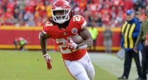 NFL Rumors: Multiple Teams 'Remain In Contact' With Kareem Hunt