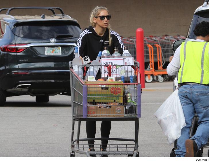 Anna Kournikova loaded up on booze on recent trip to Costco.