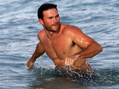 Scott Eastwood Takes a Dip, Chats Up Hot Chick at the Beach