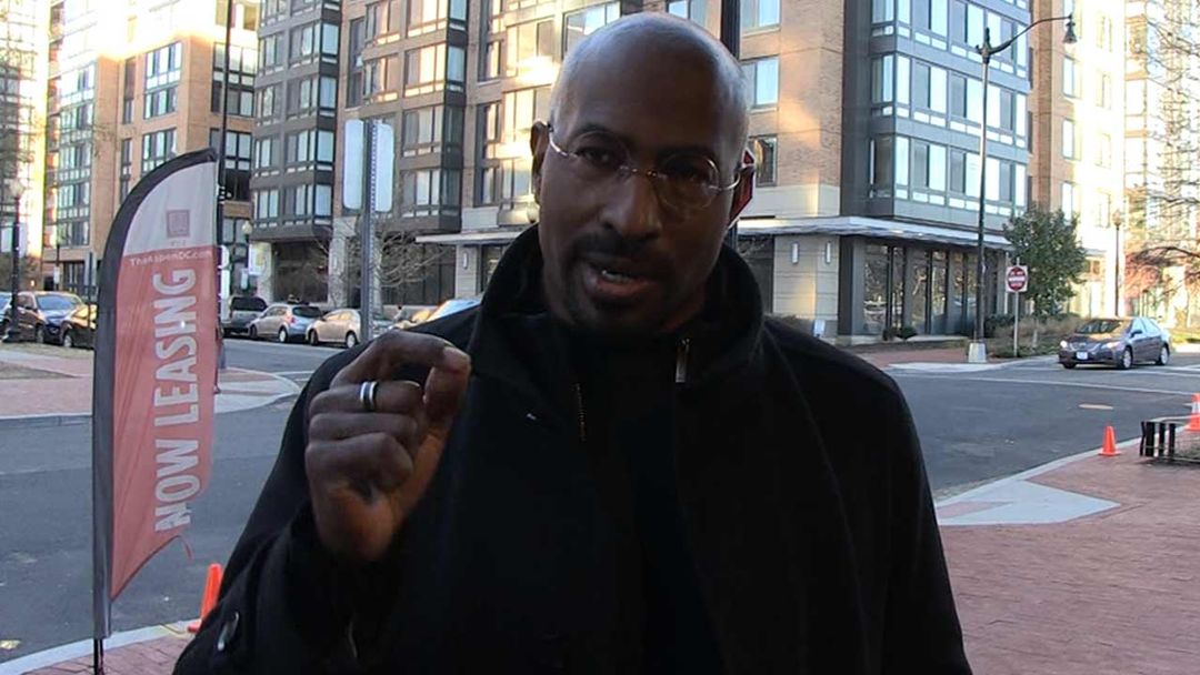 a3ea0bb3d13d9 Van Jones Praises Kim Kardashian West as the Hero in Prison Reform Bill  Passing