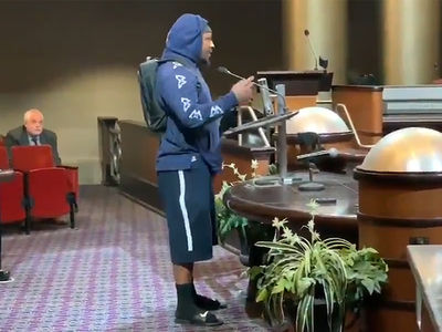 Marshawn Lynch to Oakland City Council, 'Best Not Lose the A's'