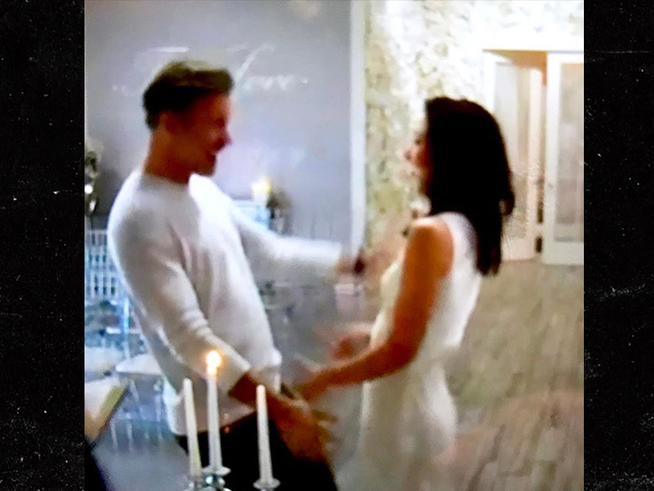 """Vampire Diaries"" star Matthew Davis gets married 3 hours after popping question at grocerey store."