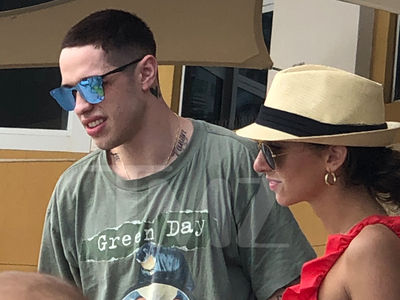 Pete Davidson Chats Up a Poolside Hottie in Miami to Round Out 2018
