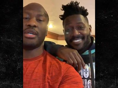 Antonio Brown Watches Mike Tomlin Presser With James Harrison, Teases 'Big Interview'