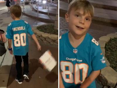 Danny Amendola Surprises Little Kid Wearing His Jersey, 'Hey Bro, That's Me!!'