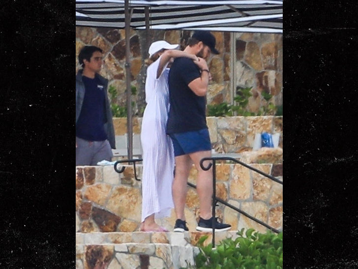 Chris Pratt and Katherine Schwarzenegger vacation in Cabo San Lucas with her mom Maria Shriver.