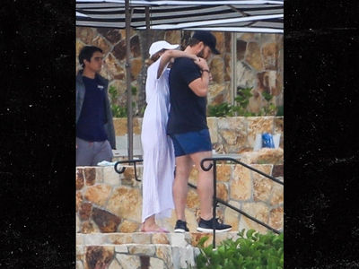 Chris Pratt and Katherine Schwarzenegger Vacation in Mexico with Maria Shriver