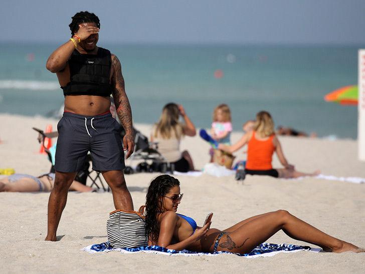 NFL's Devonta Freeman Beach Pimpin' In Miami