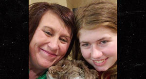 13-Year-Old Jayme Closs Smiling After She's Reunited with Aunt