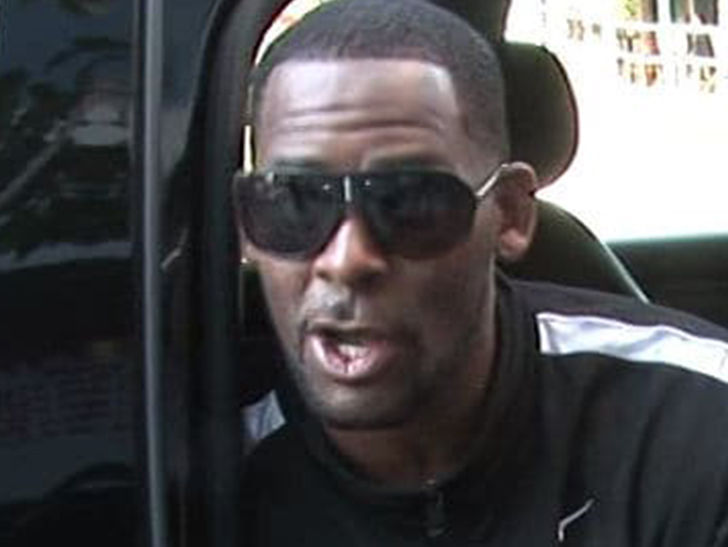 Cops Confront R. Kelly at Trump Tower to Check on 2 Women Allegedly Being Held Hostage