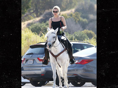 Lady Gaga Learns Horse is Dying After Winning Critics' Choice Awards