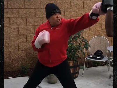Tisha Campbell-Martin Trains for Boxing, Ready to Kick Ass in 2019
