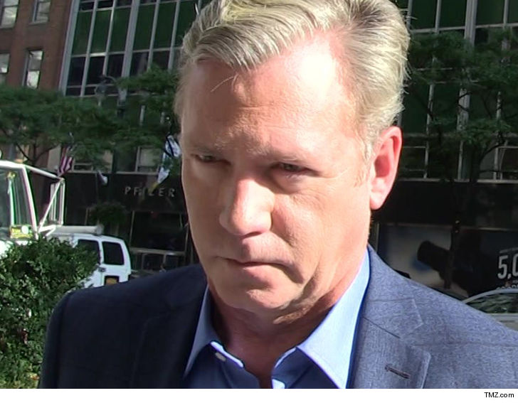'To Catch a Predator' host Chris Hansen charged with ...