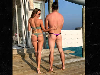 PGA Star Brooks Koepka And Hot Model GF Show Off Bare Butts In Maldives!!!