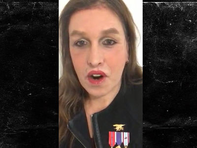 Transgender Ex-Navy SEAL Kristin Beck Bashes Ban on Military Service