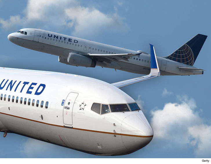 United Airlines Sued Passenger Smells Cover-Up Over Shattered 767 Windshield