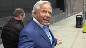Robert Kraft on Tom Brady, 'The Greatest QB In History'