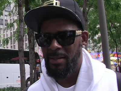 R. Kelly's Alleged Sex Slave Azriel Clary's Father Bashes Overseas Tour