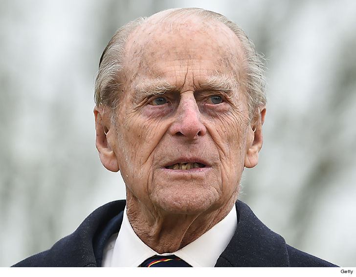 Prince Philip Voluntarily Gives Up Driver's License ...