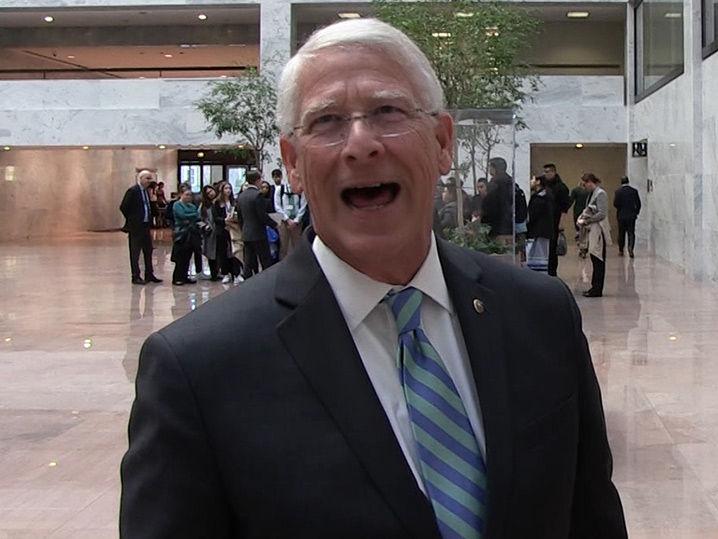 Mississippi Senator Wants Eli Manning Statue Built at Ole Miss