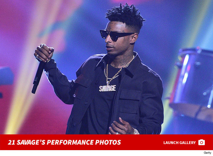 21 Savage's Wardrobe Sends Message Loud and Clear in L.A. 5
