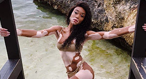 You Have to Watch the Moment Winnie Harlow Finds Out She's an SI Swimsuit Rookie!