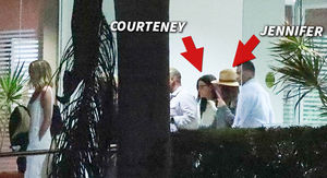 Jennifer Aniston, Courteney Cox Arrive in Cabo After Emergency Landing