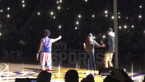 Globetrotters Serenade Reese Witherspoon & Hubby with 'My Girl'