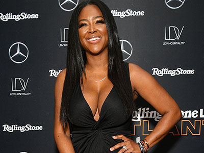 Kenya Moore Goes TOPLESS for Sweet Early Morning Pic with Baby Brooklyn