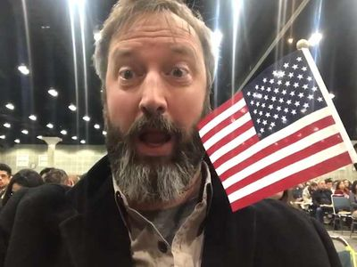 Tom Green Becomes U.S. Citizen 20 Years After Arriving from Canada
