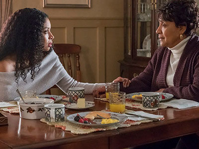 TV Icon Phylicia Rashad Is Terrifying as Beth's No-Nonsense Mother on 'This Is Us'