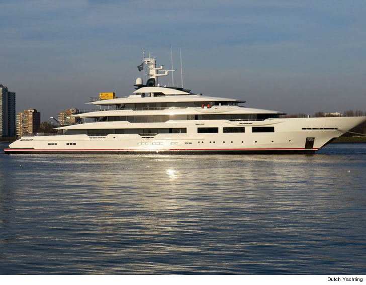 47c77aa2fb81b NFL yacht wars are in full effect ...  cause just like Jerry Jones and Dan  Snyder
