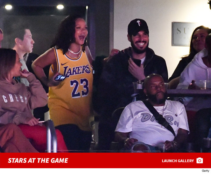 e3d747f804e You think LeBron James and the Lakers were gonna let Rihanna down on the  night of her birthday celebration   ! Hell no!!