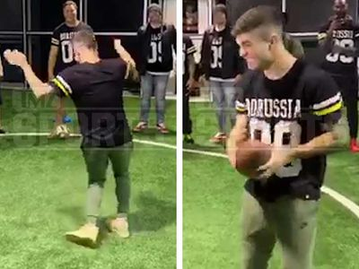 Christian Pulisic Tries Out American Football, Nails Fortnite Celebration