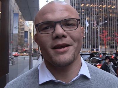 UFC's Anthony Smith, 'I'm Gonna Finish Jon Jones'