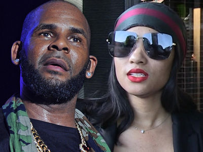 Joycelyn Savage's Parents Have 'Physical Evidence' for R. Kelly Probe