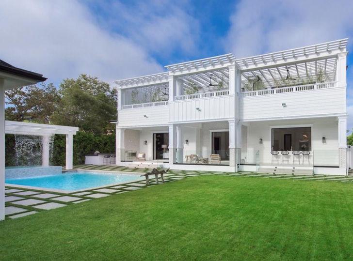 Bruce Willis & Wife Emma Heming Buy Gorgeous Brentwood Estate | TMZ.com