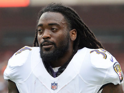 NFL's Alex Collins Arrested After Car Crash, Cut By Ravens